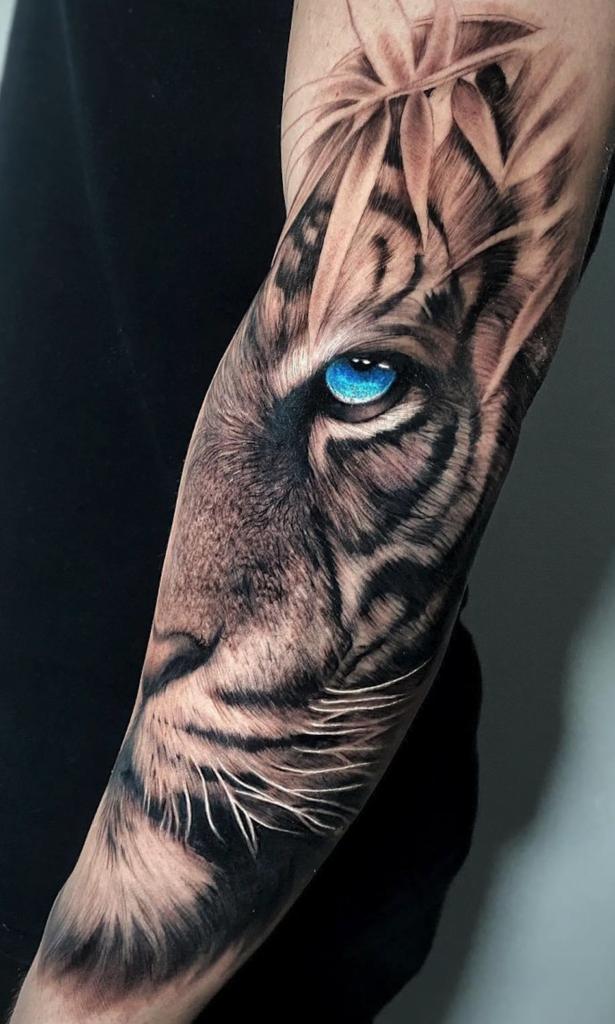 Tattoo tiger realism