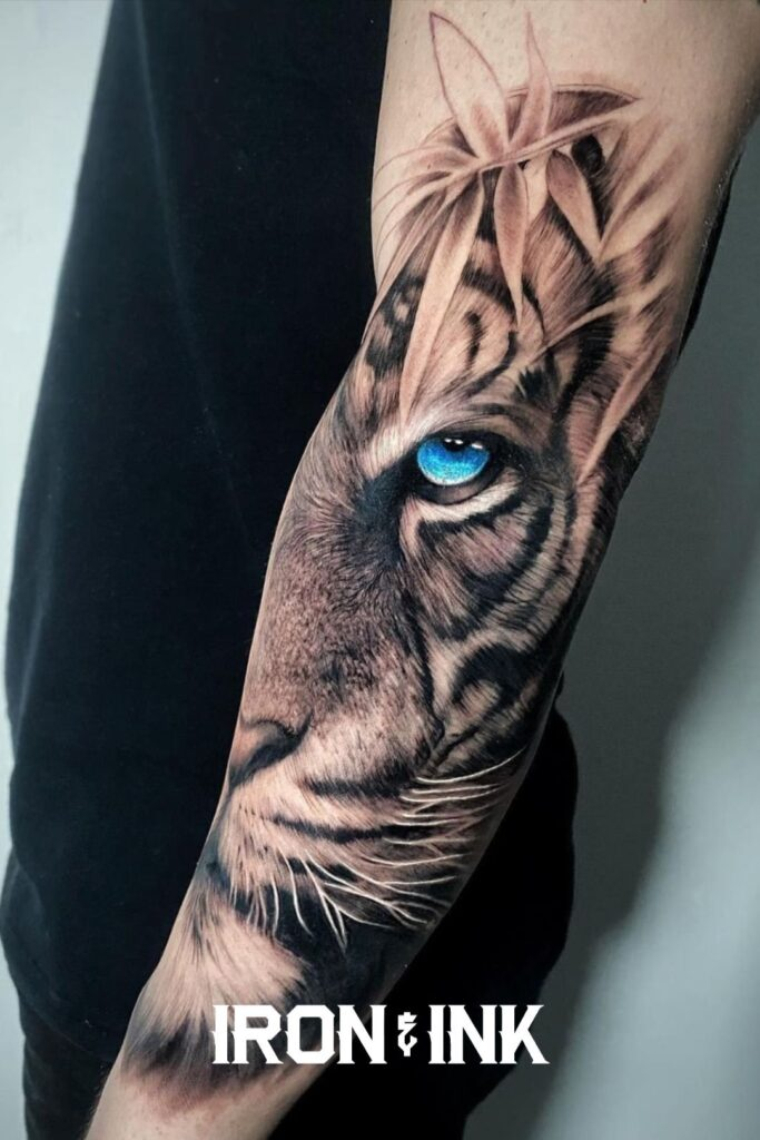 Black and grey tattoo realism tiger forearm