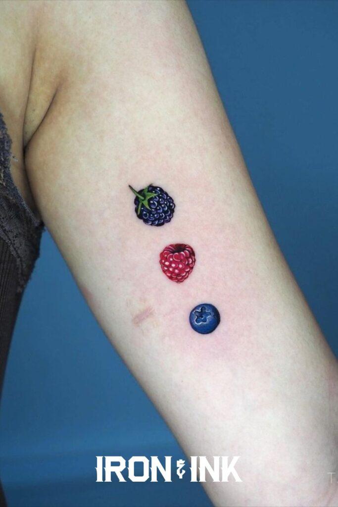 Minimalistic color realism berries